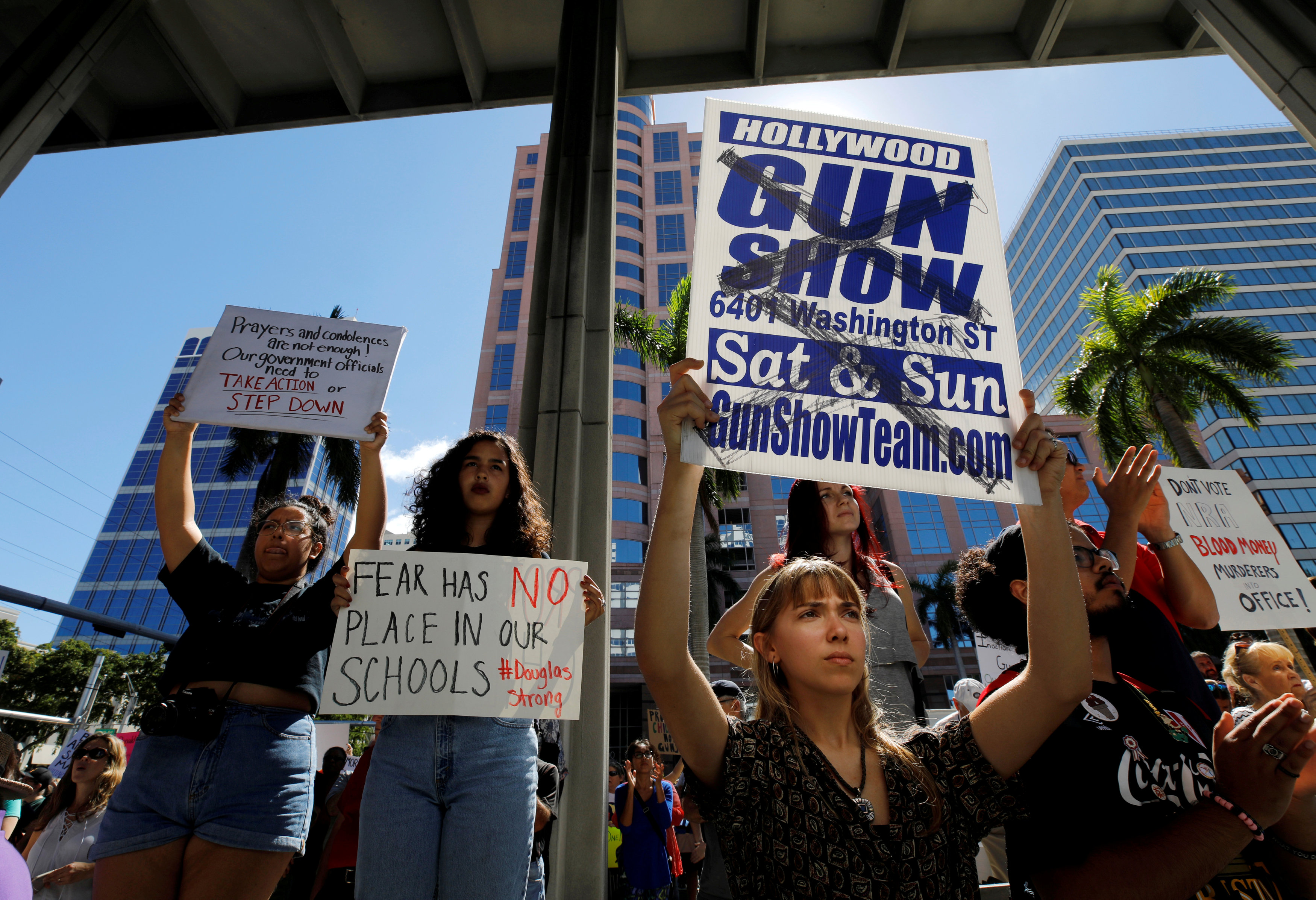 Miami Democrats protest to remove gun show from fairgrounds