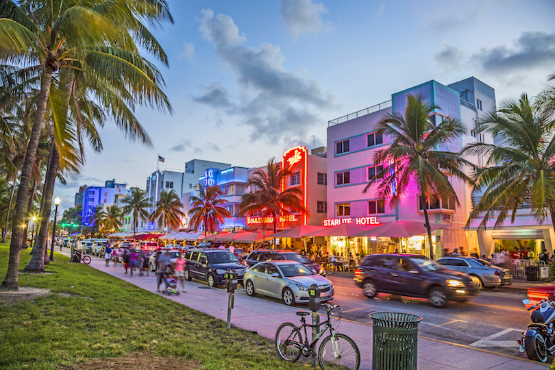 Downtown Miami vs. Miami Beach: Where's the living better?