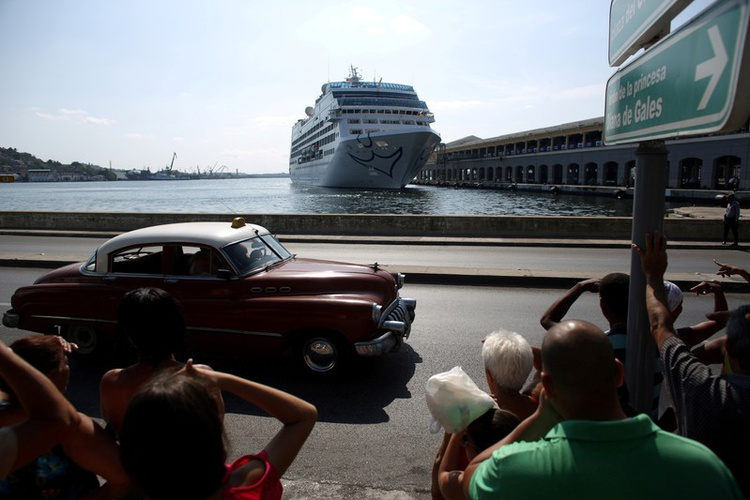US bans cruises to Cuba in bid to pressure the island's government out of Venezuela