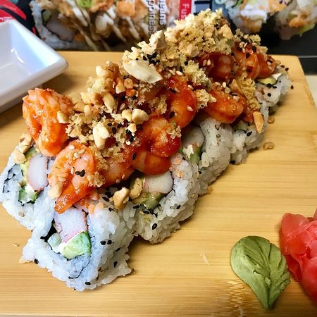 You Can Learn How To Make Delicious Sushi Rolls For Free At A Miami Restaurant This Month