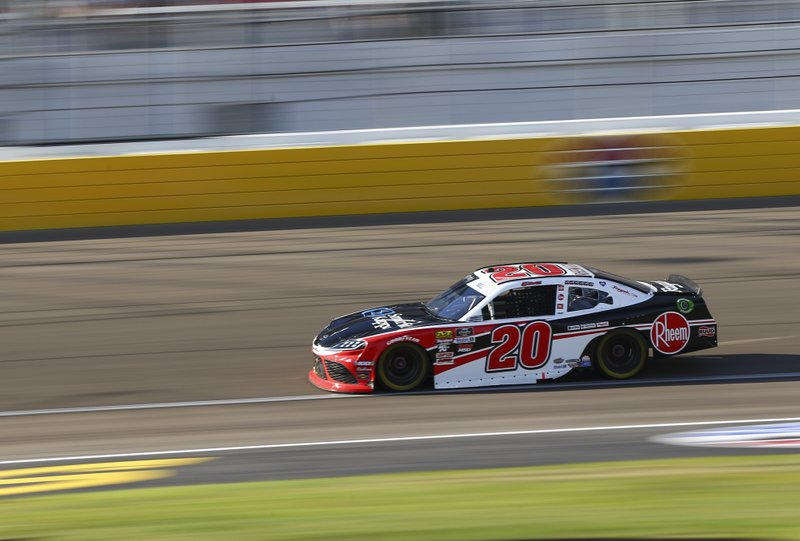 Tyler Reddick stretches gas tank to a win in the desert