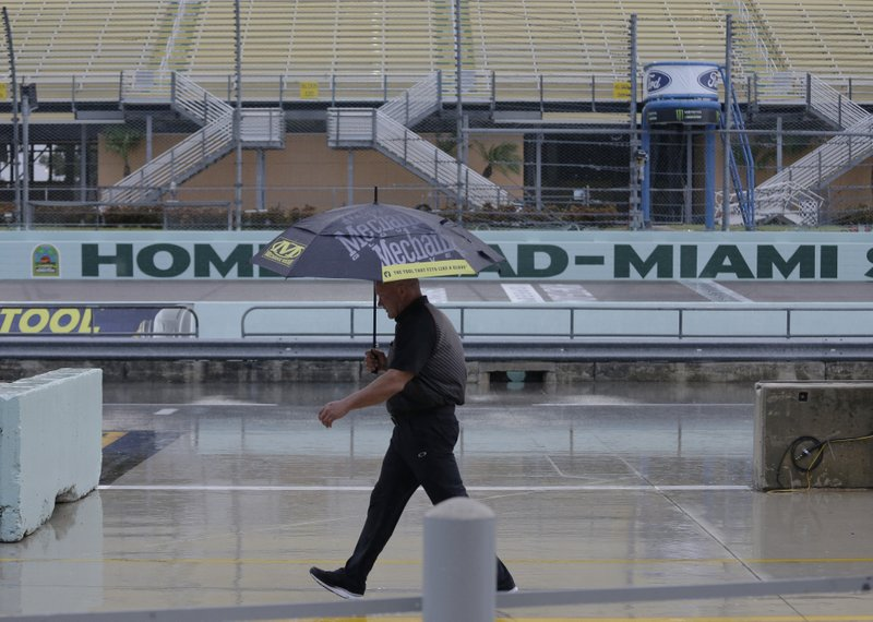 Last hurrah for Homestead: track hosts final title races