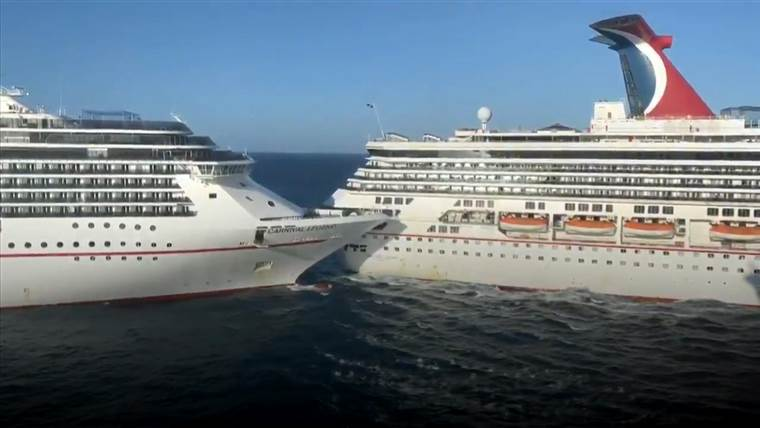 Two Carnival Cruise Line ships collided in Cozumel, one passenger is injured